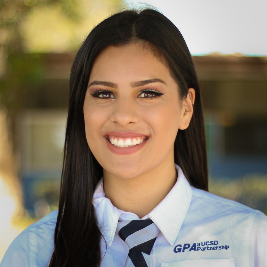 Laura Hernandez (1 of 1)